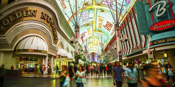 5 Places in Las Vegas That You Should Visit in 2018 Fremont Street Experience