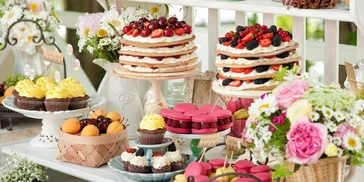 7 Things That Can Keep Your Wedding Guests Satisfied Keep Your Guests Fed
