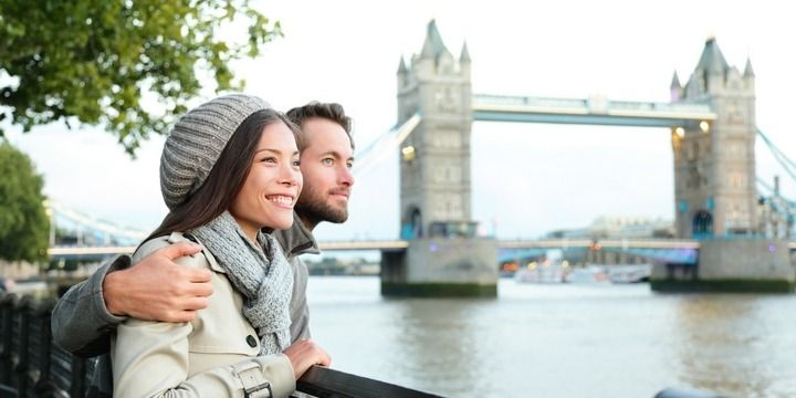 6 Advantages of Dating a Frequent Traveller