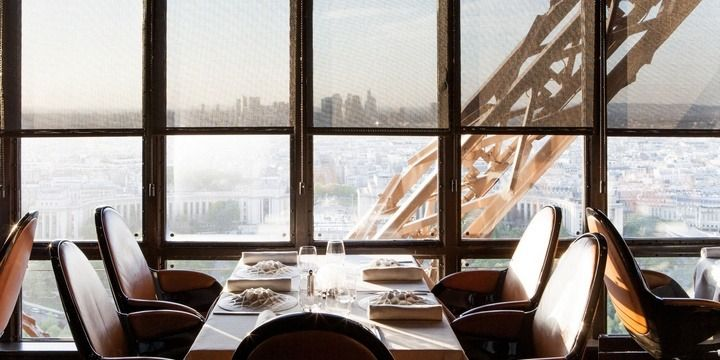 5 Most Uncommon Locations to Dine Out