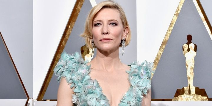 5 Bad and Good-Looking Celebrities Spotted at the 2016 Oscars Cate Blanchett in a 3D gown from Armani Prive