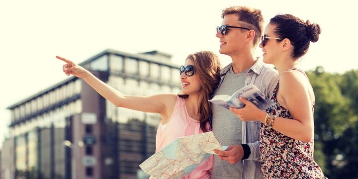 6 Wonderful Tips to Help You Make Friends during Trips Learn a few useful phrases