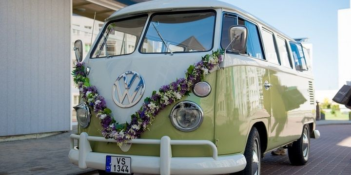 7 Things That Can Keep Your Wedding Guests Satisfied Provide Transportation