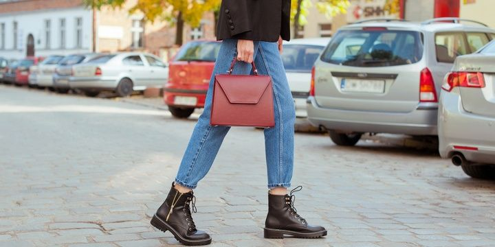 7 Ways to Make Your Outfit Less Boring You prefer belts shoes and purses of the same color