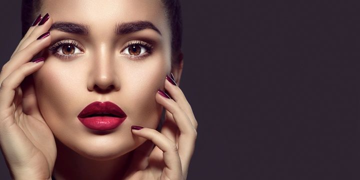 8 Most Common Mistakes Lipstick Users Make Drying