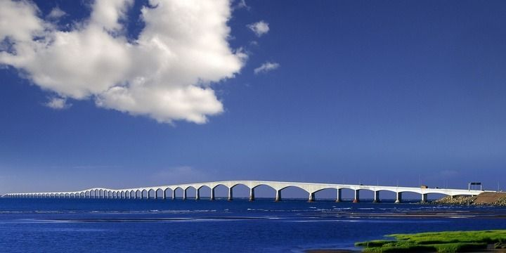 6 Most Breathtakingly Scary Bridges on the Planet
