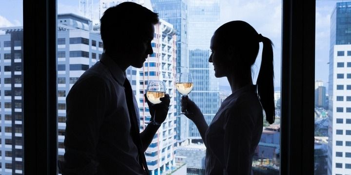 5 Rules of Dating a Colleague